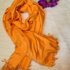 Accessories - Large soft scarf
